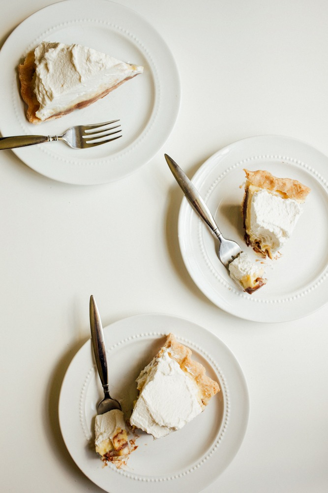 Banana coconut chocolate cream pie