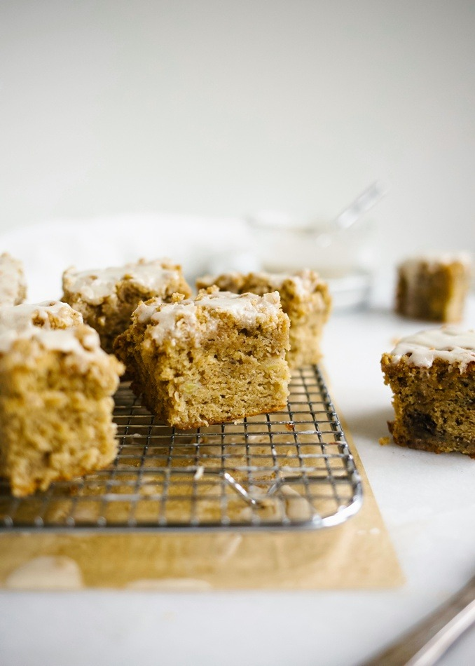 Small batch banana crumb cake recipe for a few on the wood and spoon blog by Kate wood. this is a petite crumb cake like banana bread with brown sugar and butter streusel topping and icing drizzle. The cake is moist and perfect for breakfast or dessert. This cake is a great way to use old brown bananas. Make to share with friends too! Recipe for this mini treat is on thewoodandspoon.com